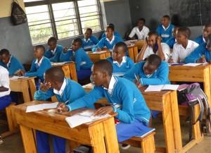 ELEVES-DU-CJSM-EN-CLASSE-Rwanda